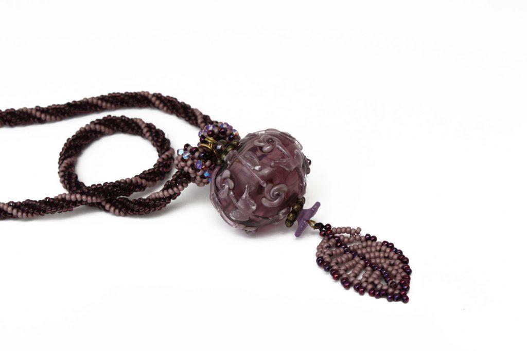 """Alchemille _ La collection """"Germination"""" est réalisée en collaboration avec Liliad bijoux pour le travail de broderie en micro perles de verre."""