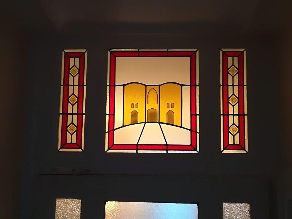 Porte des dunes _ Création du vitrail central et restauration des vitraux latéraux
